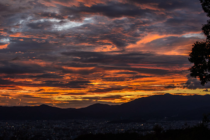Five Minutes After Sunset  --  Shogunzuka ()  --  Kyoto, Japan  --  Copyright 2012 Jeffrey Friedl, http://regex.info/blog/