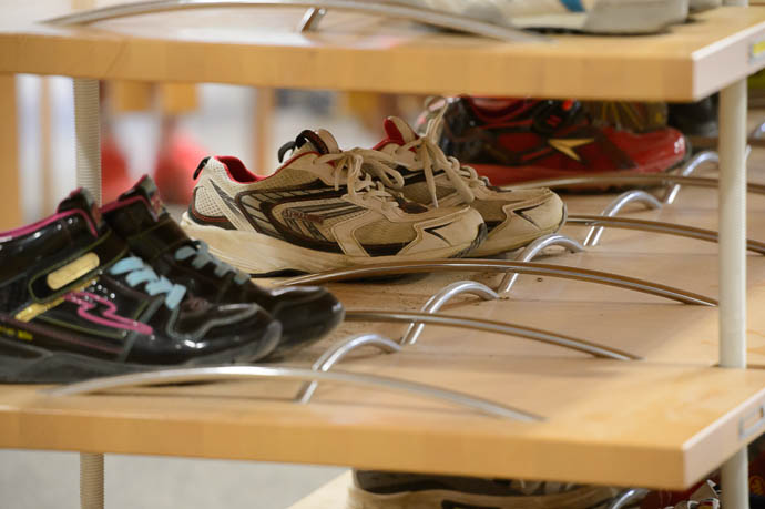 Shoe Rack 小学の靴箱です  --  Kyoto, Japan  --  Copyright 2012 Jeffrey Friedl, http://regex.info/blog/