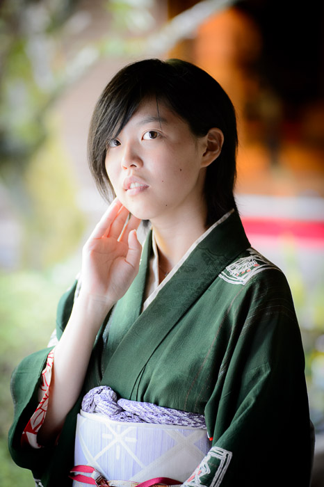 Aoi  --  Shoren'in Temple (青蓮院)  --  Kyoto, Japan  --  Copyright 2012 Jeffrey Friedl, http://regex.info/blog/