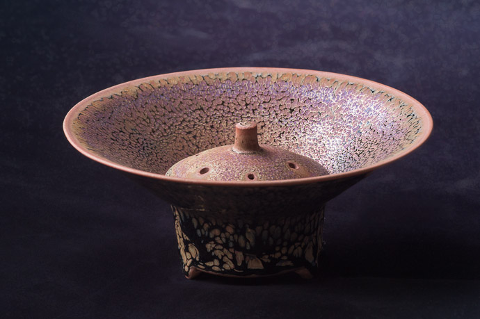 Incense Burner by Koji Kamada (鎌田幸二)  --  Kamada workshop (鎌田幸二の作業場)  --  Kyoto, Japan  --  Copyright 2012 Jeffrey Friedl, http://regex.info/blog/