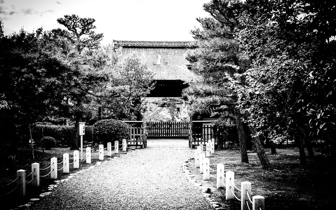 desktop background image of the entrance gate of the Myouhouin Temple (), Kyoto Japan  --  &#8220;No&#8221; Zak Braverman's answer to my asking whether this had any artistic merit ( I'd asked about the color version; it seems to have more merit as a B&amp;W )  --  Myouhouin Temple ()  --  Copyright 2012 Jeffrey Friedl, http://regex.info/blog/  --  This photo is licensed to the public under the Creative Commons Attribution-NonCommercial 3.0 Unported License http://creativecommons.org/licenses/by-nc/3.0/ (non-commercial use is freely allowed if proper attribution is given, including a link back to this page on http://regex.info/ when used online)