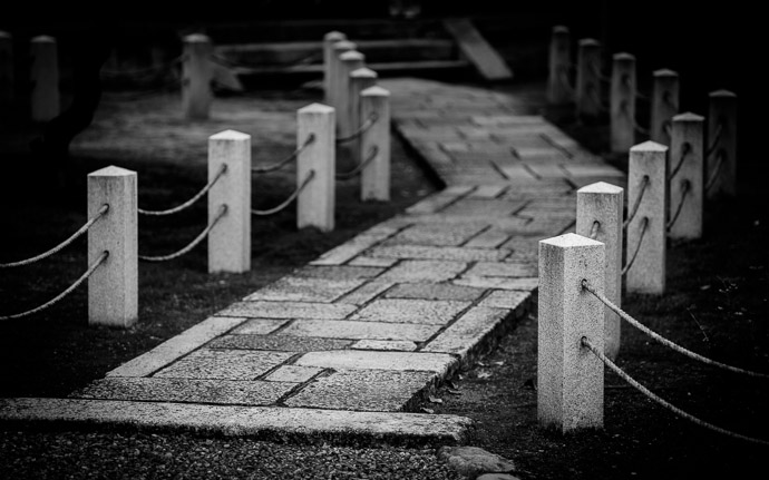desktop background image of a path at the Myouhouin Temple (), Kyoto Japan  --  Slightly Off Kilter  --  Myouhouin Temple ()  --  Copyright 2012 Jeffrey Friedl, http://regex.info/blog/  --  This photo is licensed to the public under the Creative Commons Attribution-NonCommercial 3.0 Unported License http://creativecommons.org/licenses/by-nc/3.0/ (non-commercial use is freely allowed if proper attribution is given, including a link back to this page on http://regex.info/ when used online)