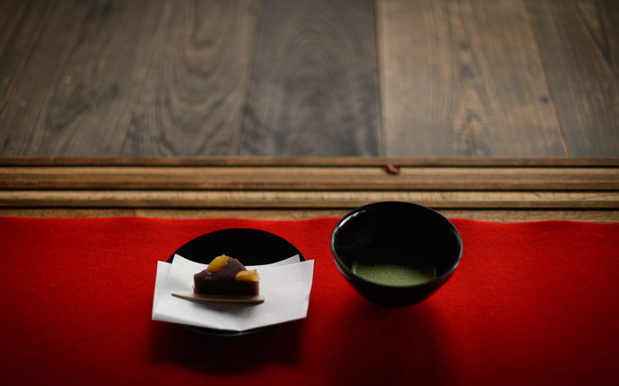 desktop background image of a serving of green tea and sweets, at the Daihouin Temple (大法院), Kyoto Japan  --  Green Tea and Sweets my lunch for the day  --  Daihouin Temple (大法院)  --  Copyright 2012 Jeffrey Friedl, http://regex.info/blog/  --  This photo is licensed to the public under the Creative Commons Attribution-NonCommercial 3.0 Unported License http://creativecommons.org/licenses/by-nc/3.0/ (non-commercial use is freely allowed if proper attribution is given, including a link back to this page on http://regex.info/ when used online)