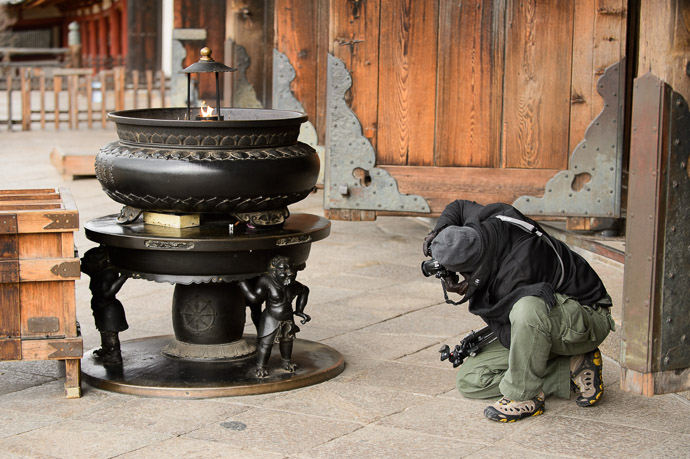 Attention to Detail  --  Todaiji (東大寺)  --  Nara, Japan  --  Copyright 2012 Jeffrey Friedl, http://regex.info/blog/