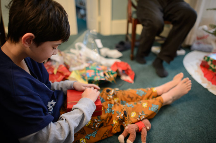 Opening Presents -- Rootstown, OH, USA -- Copyright 2012 Jeffrey Friedl, http://regex.info/blog/