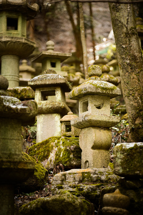 Uphill  --  Nishimura Stone Lanterns (西村石灯籠)  --  Kyoto, Japan  --  Copyright 2013 Jeffrey Friedl, http://regex.info/blog/  --  This photo is licensed to the public under the Creative Commons Attribution-NonCommercial 3.0 Unported License http://creativecommons.org/licenses/by-nc/3.0/ (non-commercial use is freely allowed if proper attribution is given, including a link back to this page on http://regex.info/ when used online)