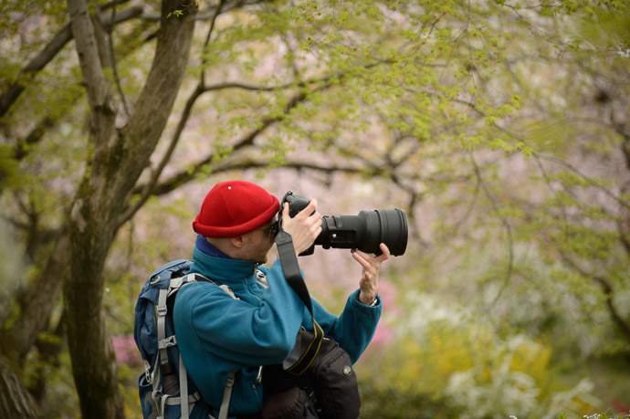 Damien and His 200mm Baby -- The Haradanien Garden (原谷苑) -- Kyoto, Japan -- Copyright 2013 Jeffrey Friedl, http://regex.info/blog/ -- This photo is licensed to the public under the Creative Commons Attribution-NonCommercial 3.0 Unported License http://creativecommons.org/licenses/by-nc/3.0/ (non-commercial use is freely allowed if proper attribution is given, including a link back to this page on http://regex.info/ when used online)