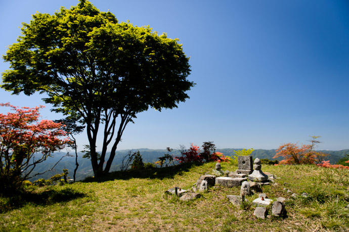 Little Monument Area at the end of a short sub-trail -- Mt. Hiei (比叡山) -- Kyoto, Japan -- Copyright 2013 Jeffrey Friedl, http://regex.info/blog/ -- This photo is licensed to the public under the Creative Commons Attribution-NonCommercial 3.0 Unported License http://creativecommons.org/licenses/by-nc/3.0/ (non-commercial use is freely allowed if proper attribution is given, including a link back to this page on http://regex.info/ when used online)