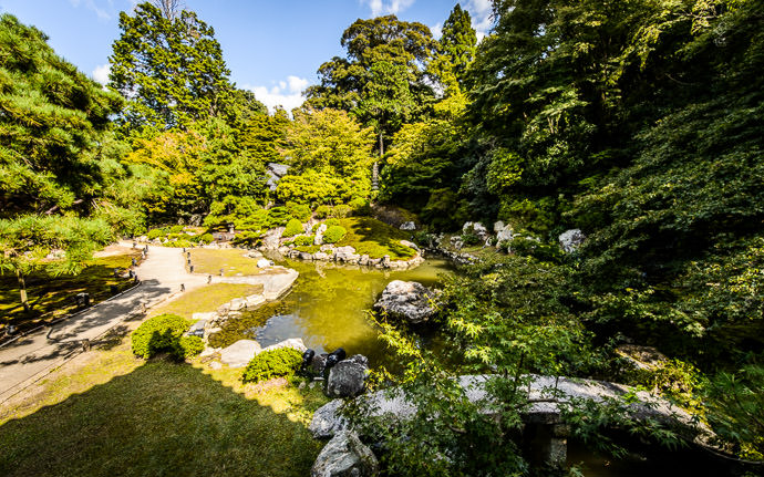 desktop background image of the main garden at the Shoren-in Temple (青蓮院), Kyoto Japan -- Main Garden -- Shoren'in Temple (青蓮院) -- Copyright 2013 Jeffrey Friedl, http://regex.info/blog/
