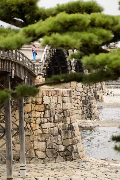 Kintai Bridge (錦帯橋) -- Iwakuni, Yamaguchi, Japan -- Copyright 2013 Jeffrey Friedl, http://regex.info/blog/