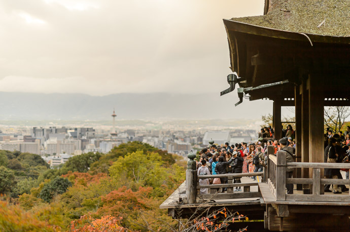 Kiyomizu Temple (清水寺) -- Kyoto, Japan -- Copyright 2013 Jeffrey Friedl, http://regex.info/blog/