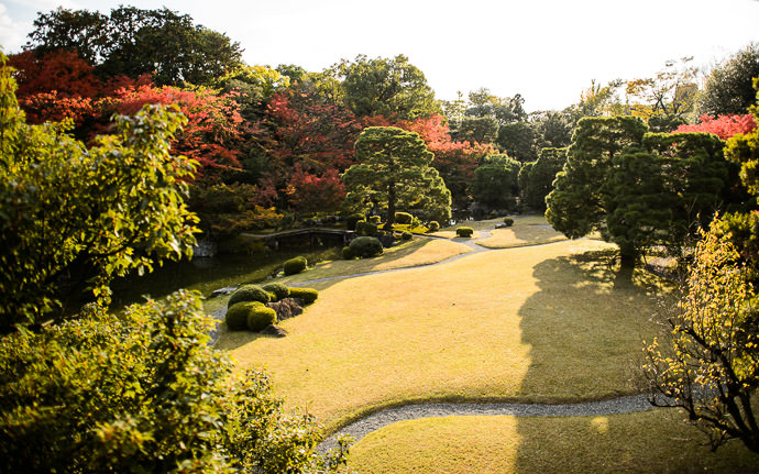 Nice View of the Lawn and Part of the Garden (The garden was covered in this post ) -- Seifuso Villa (清風荘) -- Kyoto, Japan -- Copyright 2013 Jeffrey Friedl, http://regex.info/blog/ -- This photo is licensed to the public under the Creative Commons Attribution-NonCommercial 4.0 International License http://creativecommons.org/licenses/by-nc/4.0/ (non-commercial use is freely allowed if proper attribution is given, including a link back to this page on http://regex.info/ when used online)