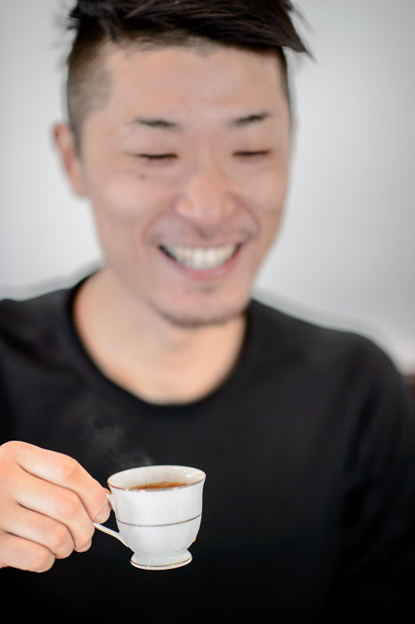 Kataoka-Sensei and his cute little cup -- La Verveine -- Kyoto, Japan -- Copyright 2013 Jeffrey Friedl, http://regex.info/blog/