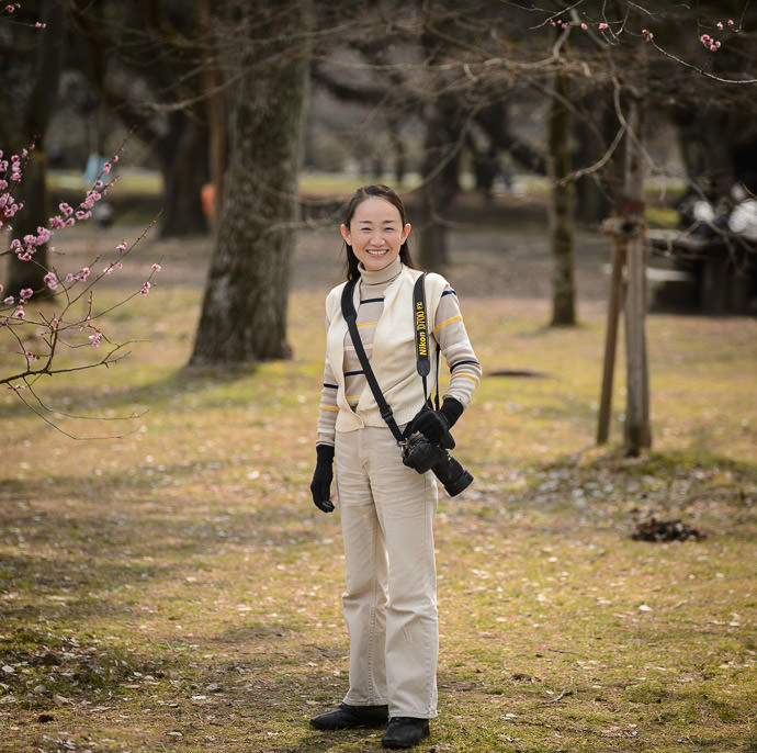 Akiko-san photographer behind Eden Walkers though lately she's more active on Flickr アキコさん、写真家の友達 -- Kyoto Imperial Palace Park (京都御所公園) -- Kyoto, Japan -- Copyright 2014 Jeffrey Friedl, http://regex.info/blog/