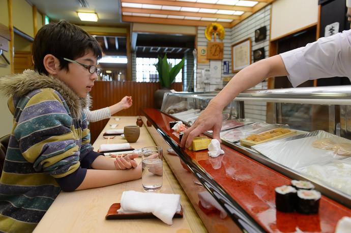 "Hand Delivered Egg "" Sushi "" at Sushi Kozushi (幸鮨) -- Sushi Kozushi (幸鮨) -- Shirahama, Wakayama, Japan -- Copyright 2014 Jeffrey Friedl, http://regex.info/blog/"