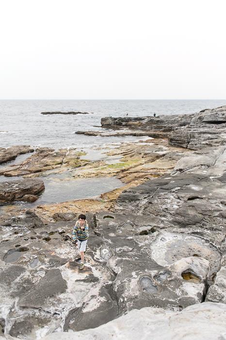 Finally Close to Sea Level -- Senjojiki (千畳敷) -- Shirahama, Wakayama, Japan -- Copyright 2014 Jeffrey Friedl, http://regex.info/blog/