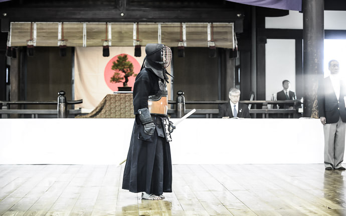 "desktop background image of kendo masters in a bout in Kyoto, Japan (剣道) -- "" Artsy View "" -- Kyubutokuden (旧武徳殿) -- Copyright 2014 Jeffrey Friedl, http://regex.info/blog/ -- This photo is licensed to the public under the Creative Commons Attribution-NonCommercial 4.0 International License http://creativecommons.org/licenses/by-nc/4.0/ (non-commercial use is freely allowed if proper attribution is given, including a link back to this page on http://regex.info/ when used online)"