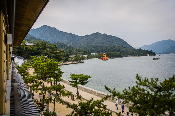 View from the Hotel Kinsuikan Hotel (錦水館、宮島) -- Kinsuikan Hotel (錦水館) -- Miyajima, Hiroshima, Japan -- Copyright 2014 Jeffrey Friedl, http://regex.info/blog/