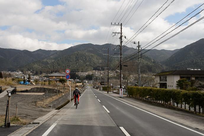 Coasting -- Kyoto, Japan -- Copyright 2015 Jeffrey Friedl, http://regex.info/blog/