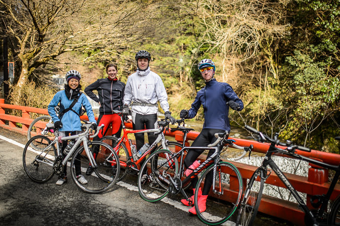 Pausing for a Quick Photo on a bicycle ride in the mountains north of Kyoto left to right: Kumiko Mini , Lianca Van Der Merwe , Antti , and Ross McLean -- Kyoto, Japan -- Copyright 2015 Jeffrey Friedl, http://regex.info/blog/