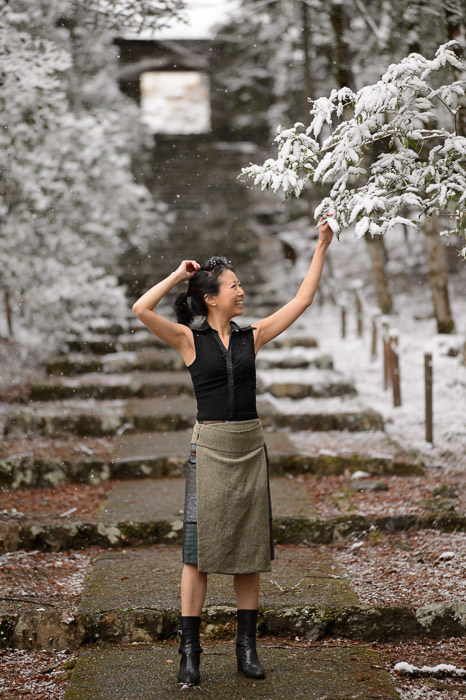 Pretending It's Cherry Blossoms -- Joshokoji Temple (常照皇寺) -- Kyoto , Kyoto, Japan -- Copyright 2015 Jeffrey Friedl, http://regex.info/blog/