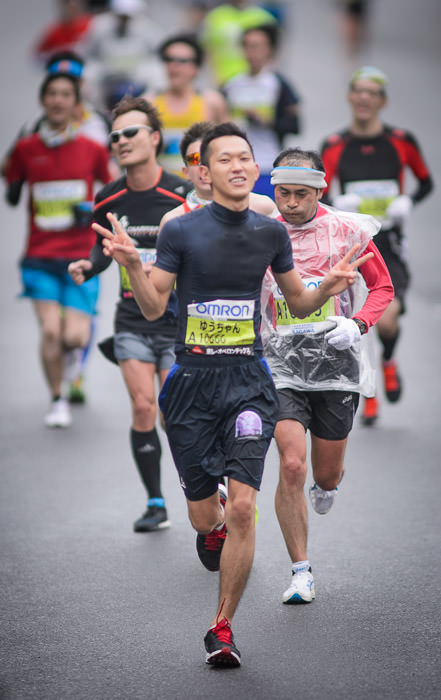 Lots of Energy for having run a sub-3hr marathon It was about the 2:56 point when I took the photo, and it'd probably take a minute and a half to reach the finish. 松下 雄太 · Yuudai Matsushita -- Kyoto, Japan -- Copyright 2015 Jeffrey Friedl, http://regex.info/blog/