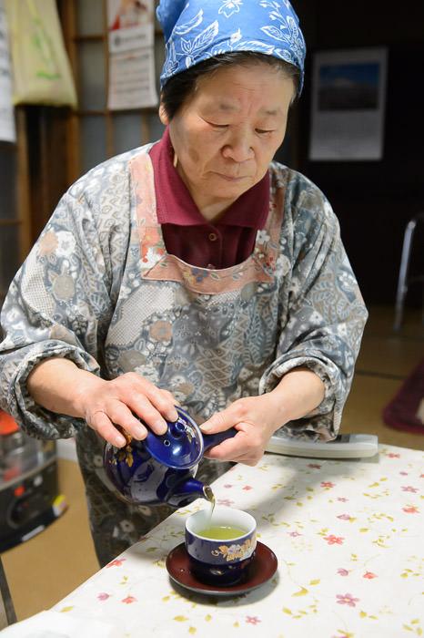 The Tide Can Not Be Held Back -- Takashima, Shiga, Japan -- Copyright 2015 Jeffrey Friedl, http://regex.info/blog/
