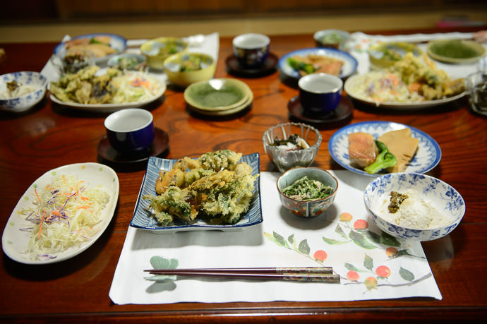 Meal prior to rice and soup being added -- Takashima, Shiga, Japan -- Copyright 2015 Jeffrey Friedl, http://regex.info/blog/