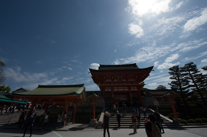 original unedited/uncropped version -- Fushimi-Inari Taisha Shrine (伏見稲荷大社) -- Kyoto , Kyoto, Japan -- Copyright 2015 Jeffrey Friedl, http://regex.info/blog/