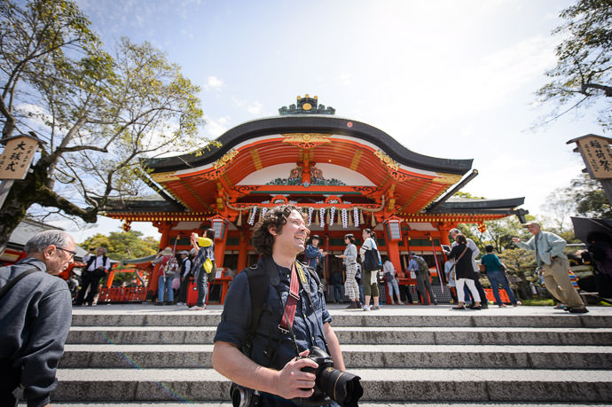 That's a Mighty Big Camera You've Got There... -- Fushimi-Inari Taisha Shrine (伏見稲荷大社) -- Kyoto , Kyoto, Japan -- Copyright 2015 Jeffrey Friedl, http://regex.info/blog/