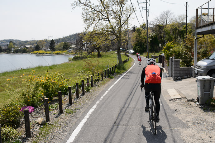 More Pleasant Ride 1:29pm - taken while cycling at 18 km/h -- Otsu, Shiga, Japan -- Copyright 2015 Jeffrey Friedl, http://regex.info/blog/