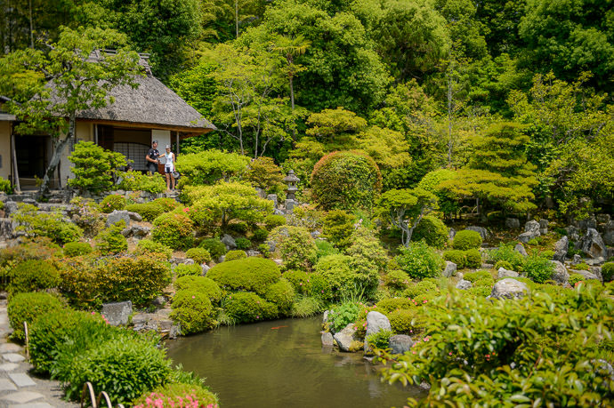 Tea House Above the Garden -- Toji-in Temple (等持院) -- Kyoto, Japan -- Copyright 2015 Jeffrey Friedl, http://regex.info/blog/ -- This photo is licensed to the public under the Creative Commons Attribution-NonCommercial 4.0 International License http://creativecommons.org/licenses/by-nc/4.0/ (non-commercial use is freely allowed if proper attribution is given, including a link back to this page on http://regex.info/ when used online)