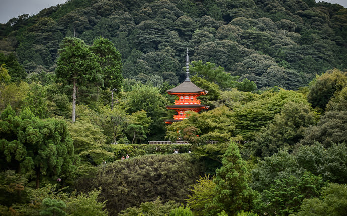desktop background image of pagoda at the Kiyomizu Temple (清水寺) in Kyoto Japan -- Mountain Pagoda 清水寺の泰産寺 -- Kiyomizu Temple (清水寺) -- Copyright 2015 Jeffrey Friedl, http://regex.info/blog/ -- This photo is licensed to the public under the Creative Commons Attribution-NonCommercial 4.0 International License http://creativecommons.org/licenses/by-nc/4.0/ (non-commercial use is freely allowed if proper attribution is given, including a link back to this page on http://regex.info/ when used online)