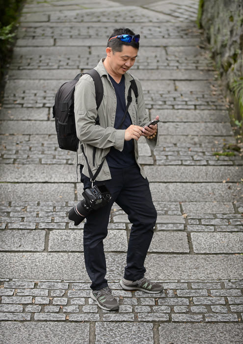 Standing In so I can check out the angles -- Kiyomizu Temple (清水寺) -- Kyoto, Japan -- Copyright 2015 Jeffrey Friedl, http://regex.info/blog/