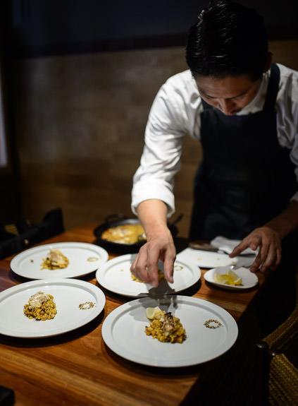 Lemon Slice with the fish paella -- acá1° -- Kyoto, Japan -- Copyright 2015 Jeffrey Friedl, http://regex.info/blog/