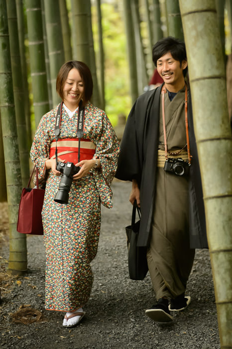 Pleasant Couple 魅力的なカップル、円光寺(京都市)で at the Enkoji Temple, Kyoto Japan -- Enkoji Temple (円光寺) -- Copyright 2015 Jeffrey Friedl, http://regex.info/blog/