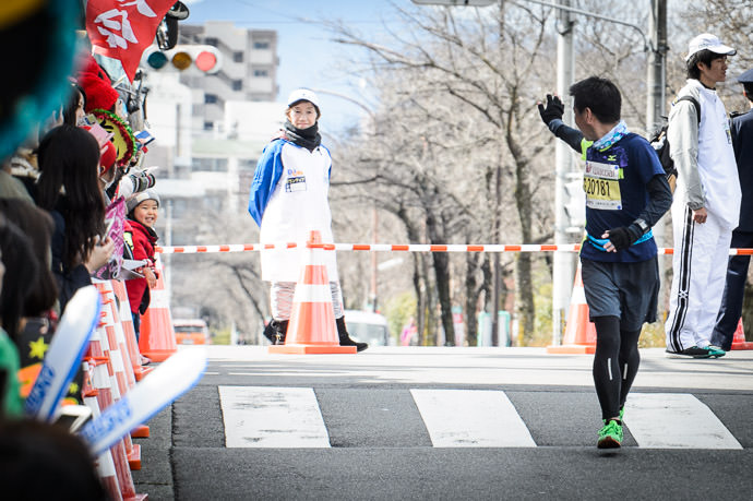 Off to Wrap Up Loose Ends a few more minutes' run to actually finish the race -- Kyoto Marathon 2017 -- Kyoto, Japan -- Copyright 2017 Jeffrey Friedl, http://regex.info/blog/
