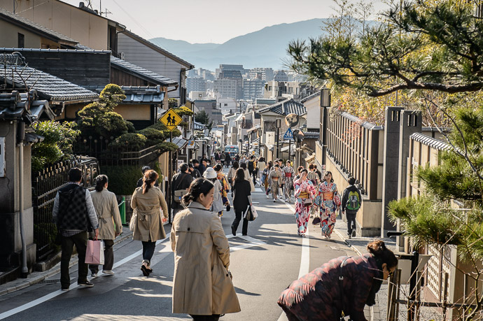 Less Photogenic Approach to the Kiyomizu Temple -- イノダコーヒ清水支店 -- Kyoto, Japan -- Copyright 2017 Jeffrey Friedl, http://regex.info/blog/ -- This photo is licensed to the public under the Creative Commons Attribution-NonCommercial 4.0 International License http://creativecommons.org/licenses/by-nc/4.0/ (non-commercial use is freely allowed if proper attribution is given, including a link back to this page on http://regex.info/ when used online)