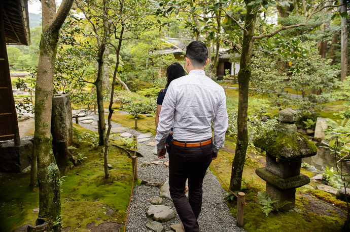 Entering Murin'an a quiet garden not spoiled by throngs of tourists -- Kyoto, Japan -- Copyright 2017 Jeffrey Friedl, http://regex.info/blog/