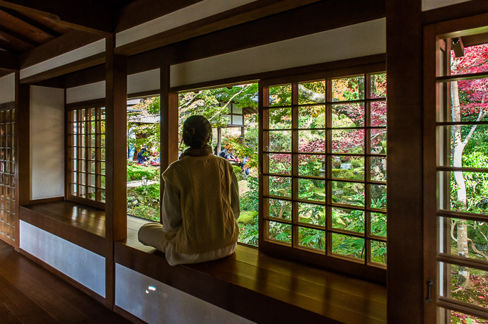 Another Way to enjoy the main garden (10 minutes later, she tracked me down and asked for copies of the photos) -- Sanzen-in Temple (三千院) -- Kyoto, Japan -- Copyright 2018 Jeffrey Friedl, http://regex.info/blog/ -- This photo is licensed to the public under the Creative Commons Attribution-NonCommercial 4.0 International License http://creativecommons.org/licenses/by-nc/4.0/ (non-commercial use is freely allowed if proper attribution is given, including a link back to this page on http://regex.info/ when used online)