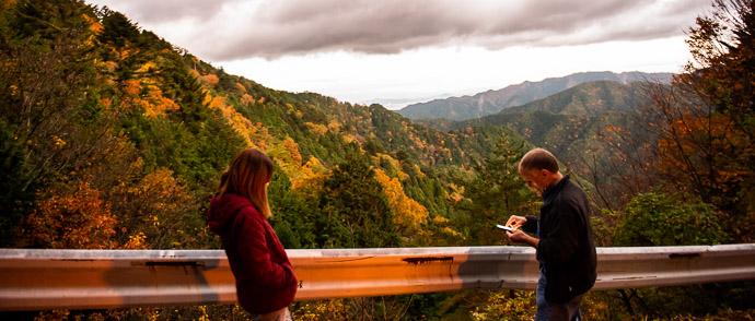 Much Brighter than Reality near Momoi Pass (百井峠) -- Momoi Pass (百井峠) -- Kyoto, Japan -- Copyright 2018 Jeffrey Friedl, http://regex.info/blog/