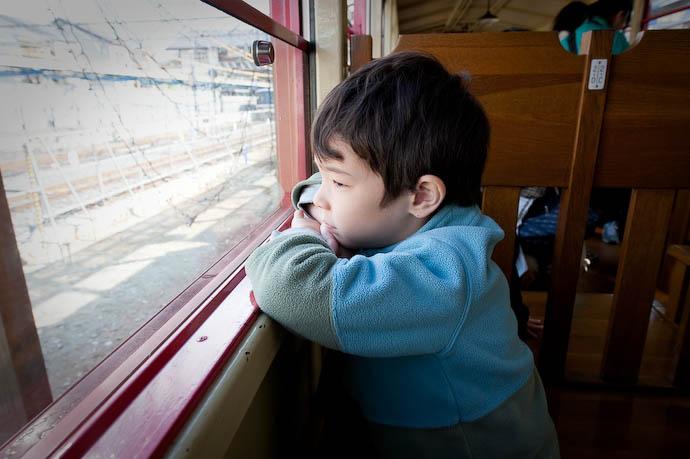 Awaiting Departure -- Kyoto, Japan -- Copyright 2008 Jeffrey Friedl, http://regex.info/blog/