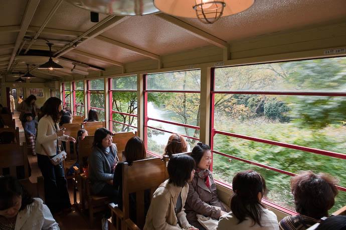 Leaving the City -- Kyoto, Japan -- Copyright 2008 Jeffrey Friedl, http://regex.info/blog/