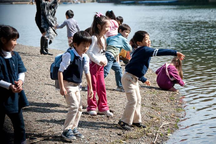 Kids Being Kids -- Kyoto, Japan -- Copyright 2008 Jeffrey Friedl, http://regex.info/blog/