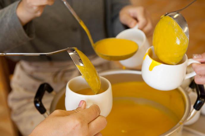 Preparation pumpkin soup  --  Kyoto, Japan  --  Copyright 2008 Jeffrey Friedl, http://regex.info/blog/