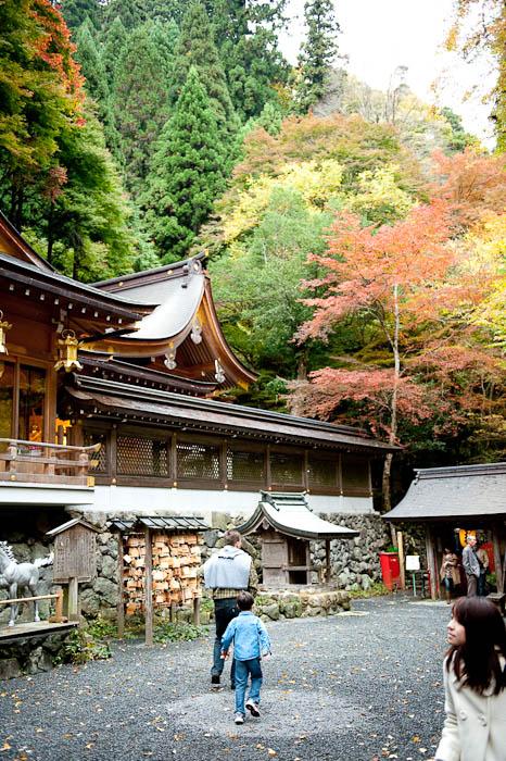 front face of the Kibune Shrine Kyoto, Japan -- Copyright 2008 Jeffrey Friedl, http://regex.info/blog/