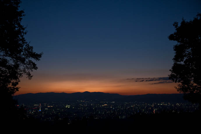 'Nite-Nite  --  Kyoto, Japan  --  Copyright 2008 Jeffrey Friedl, http://regex.info/blog/