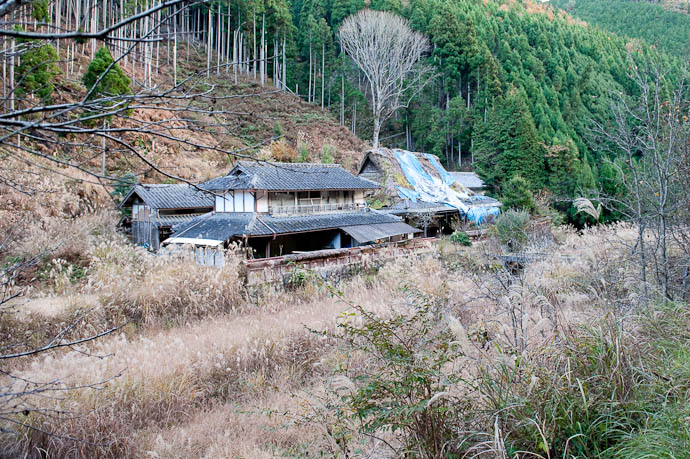 Abandoned Homestead in the mountains of Kyoto Prefecture, Japan -- Nantan, Kyoto, Japan -- Copyright 2008 Jeffrey Friedl, http://regex.info/blog/