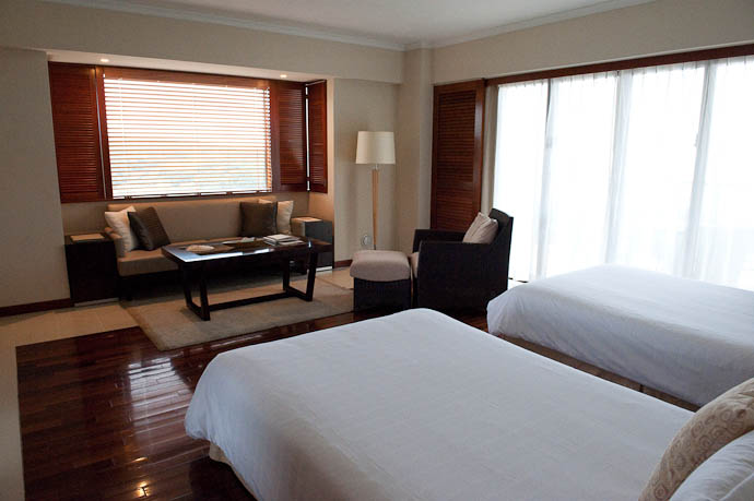 Our Room 1701 -- Okinawa, Japan -- Copyright 2009 Jeffrey Friedl, http://regex.info/blog/