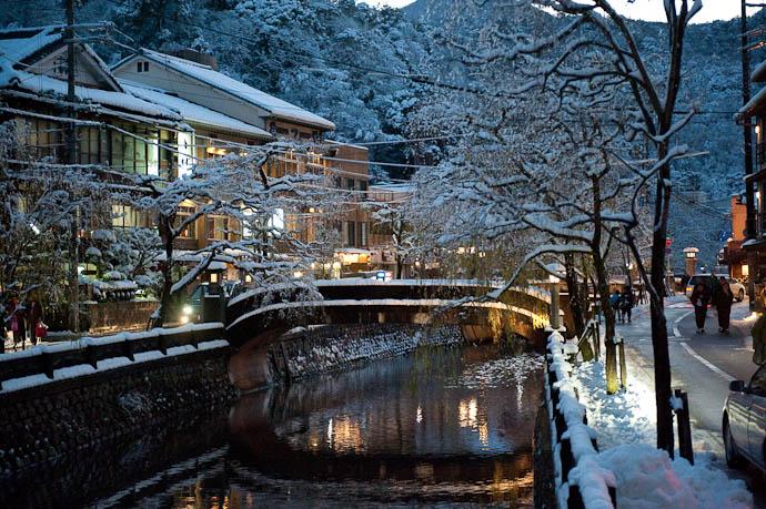 Stream Bisecting Kinosaki's Onsens -- Toyooka, Hyoto, Japan -- Copyright 2009 Jeffrey Friedl, http://regex.info/blog/
